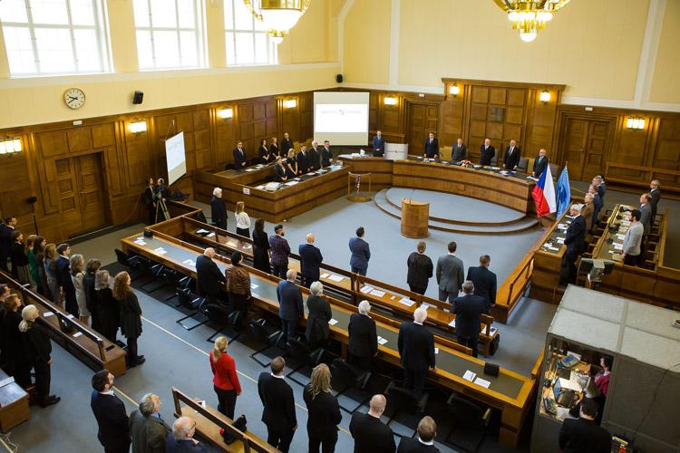https://advokatnidenik.cz/wp-content/uploads/konf-1.jpg