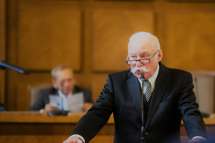 https://advokatnidenik.cz/wp-content/uploads/konf-2.jpg