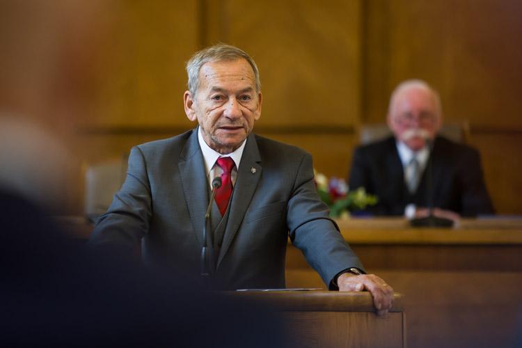 https://advokatnidenik.cz/wp-content/uploads/konf-3.jpg