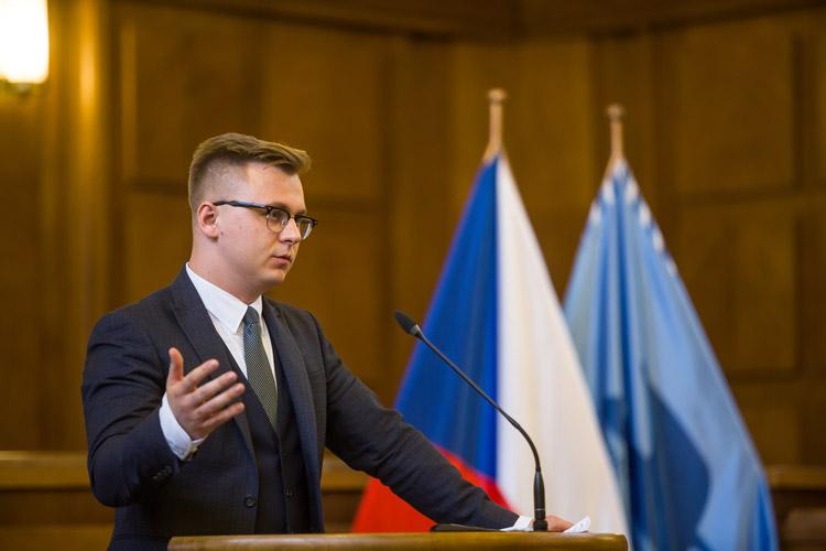 https://advokatnidenik.cz/wp-content/uploads/konf-mamrilla.jpg